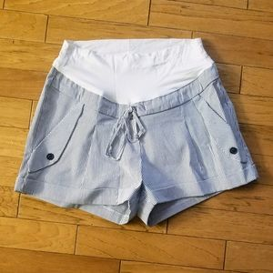 Pinstriped maternity shorts